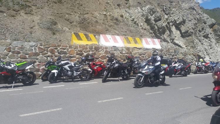 moottoripyörä rekalla italiaan